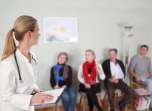 Im Wartezimmer und Behandlungsräumen von Arztpraxen mit vielen Patienten ist die Belastung mit Keimen in der Regel besonders hoch. Dies wird im Normalfall bei der Berechnung der Anzahl an HG-Lights besonders berücksichtigt.