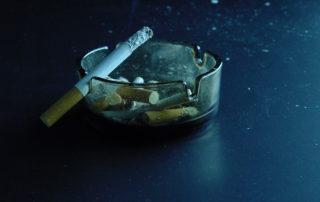 Geruchsbeseitigung im Raucherraum.Durch den Einsatz von HG-Lights LED-Panelen wurde die Geruchsbelastung im Raucherraum eines Geldinstituts deutlich reduziert